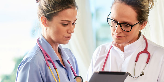 Four Reasons Now is a Great Time to Become a Medical Office Assistant