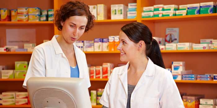 Employer Q&A: How to Get a Job as a Pharmacy Technician